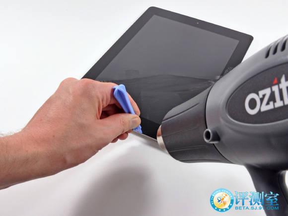工具,只要几个步骤就可以解除新款iPad的面板连接了,很不可思议图片
